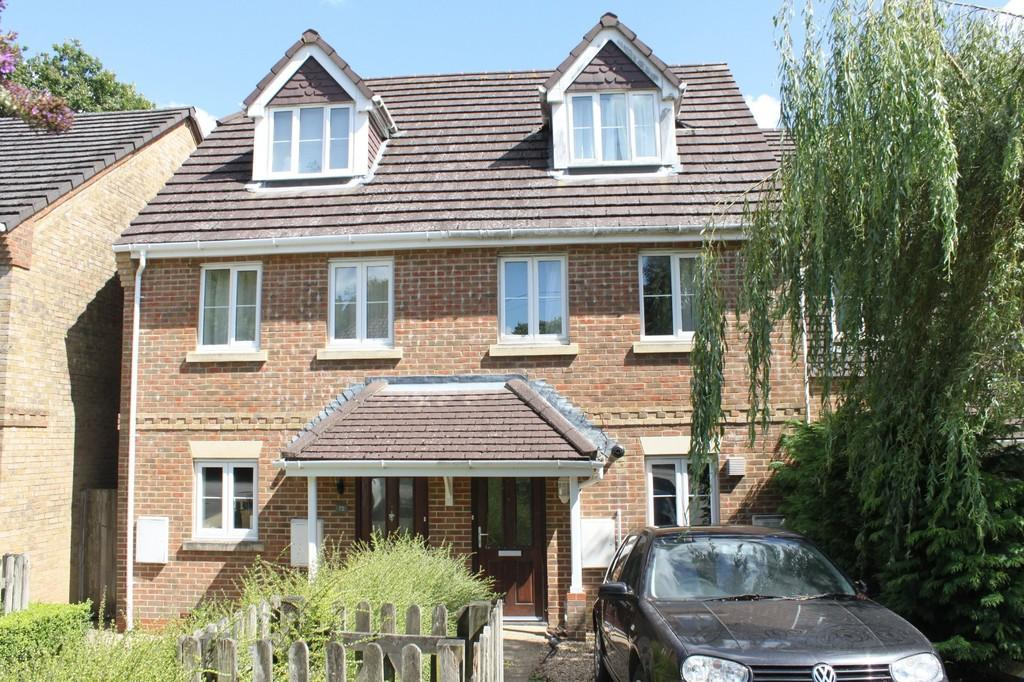 3 Bedrooms Terraced House for sale in Haslemere