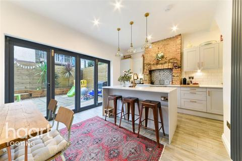 3 bedroom house share to rent - Alston Road, SW17