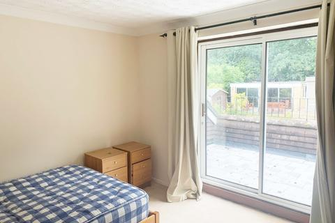 1 bedroom house share to rent - Broadlands Close, Calcot