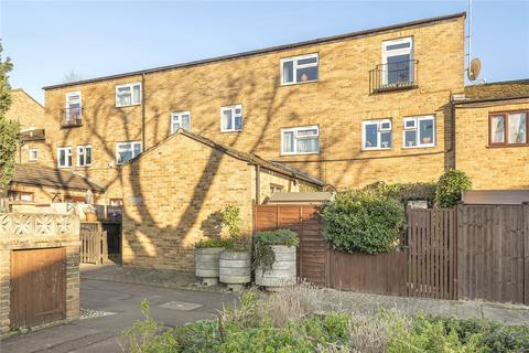 1 bedroom apartment for sale - Cobden Close, Uxbridge, Middlesex, UB8