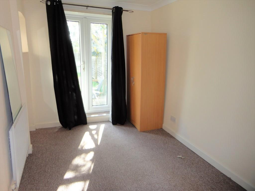 Rainham Road Chatham 1 Bed Ground Floor Flat To Rent 163