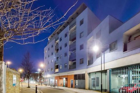 2 bedroom flat for sale - Staffordshire Street, London SE15