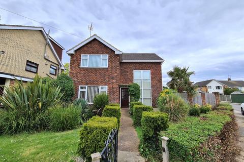 3 bedroom detached house to rent - Fairview Crescent, Benfleet , Essex