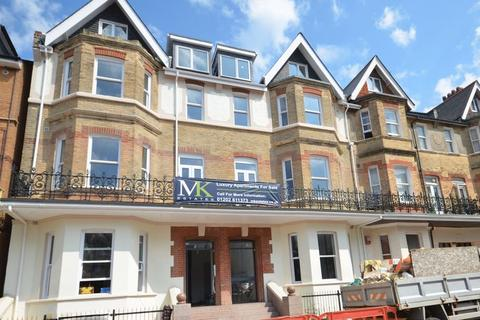 1 bedroom flat for sale - West Hill Road, Bournemouth