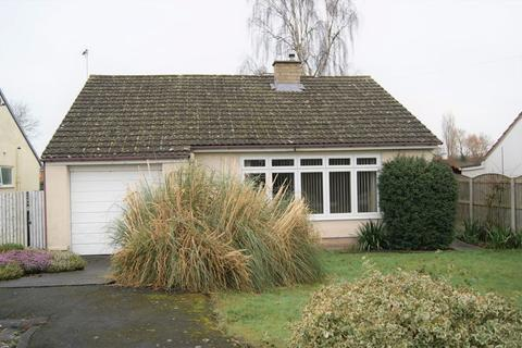 2 bedroom detached bungalow for sale - Laurels Avenue, Bangor On Dee