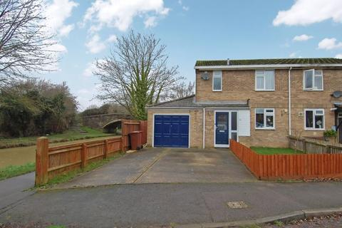 3 bedroom semi-detached house for sale - Osborne Close KIDLINGTON