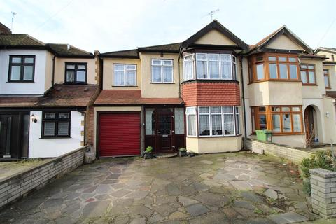 3 bedroom semi-detached house for sale - Albany Road, Hornchurch