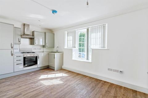 2 bedroom apartment to rent - George V Avenue, Worthing