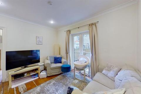 2 bedroom flat to rent - Penwith Road Earlsfield London