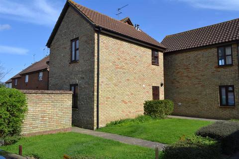 Studio to rent - Spencer Court, South Woodham Ferrers