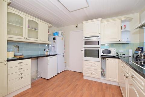 2 bedroom ground floor flat for sale - Church Road, Hythe, Kent