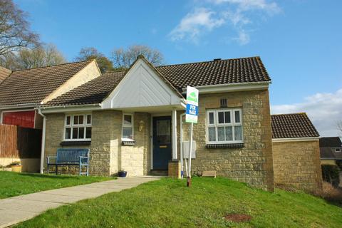 2 bedroom detached bungalow for sale - 14 Underhill, Mere, Wiltshire, BA12 6LU