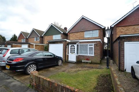 3 bedroom detached house for sale - Staines Road, Bedfont