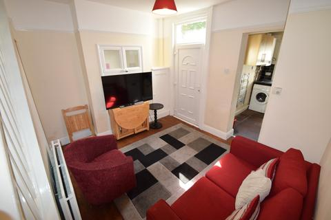 3 bedroom semi-detached house to rent - Eastwood Road, Student Sheffield S11