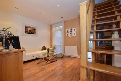 3 bedroom terraced house for sale - Hampton Road, Chingford
