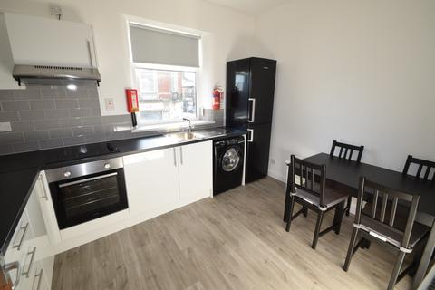 3 bedroom flat to rent - Crookes, Student Sheffield S10
