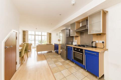 2 bedroom apartment to rent - Hopton Road, Royal Arsenal, Woolwich, Woolwich, LONDON, SE18