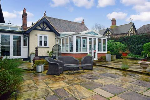 2 bedroom semi-detached bungalow for sale - High Road, Epping, Essex