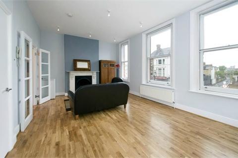 2 bedroom flat to rent - Battersea Rise, London