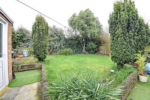 2 bedroom bungalow for sale - Silvercliffe Gardens, Barnet, EN4