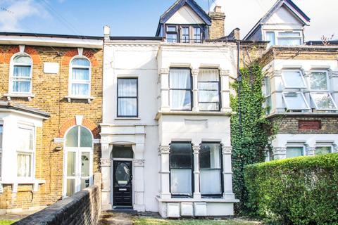 1 bedroom flat for sale - Hainault Road, Leytonstone, London, E11