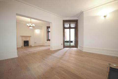 4 bedroom apartment to rent - Abingdon Villas, Kensington, W8