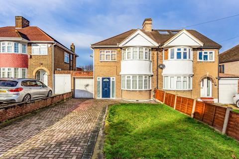 3 bedroom flat to rent - Crathie Road, Lewisham, SE12