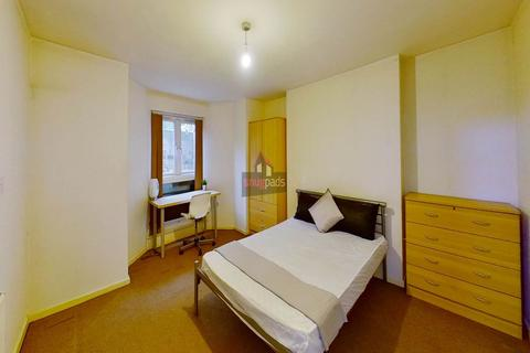 1 bedroom house share to rent - Bolton Road, Salford,