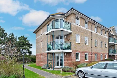 2 bedroom retirement property for sale - SOUTH FACING, SECOND FLOOR RETIREMENT APARTMENT WITH LIFT ACCESS, CLOSE TO TOWN CENTRE AND BEACH.