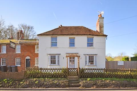 4 bedroom link detached house for sale - The Street, Denton, Canterbury, CT4