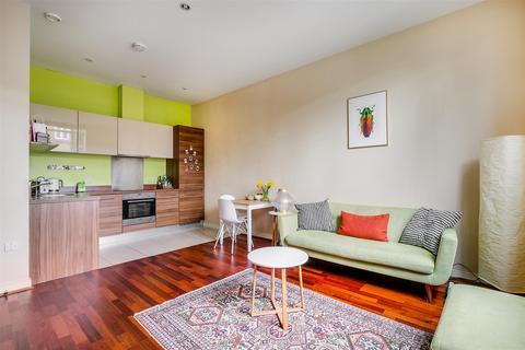 1 bedroom flat for sale - Bromyard Avenue, London, W3