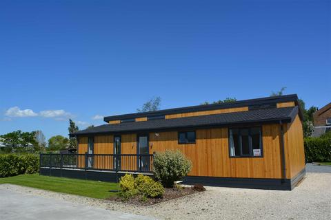 2 bedroom detached bungalow for sale - Cliffe Country Lodges, Cliffe, Cliffe Common