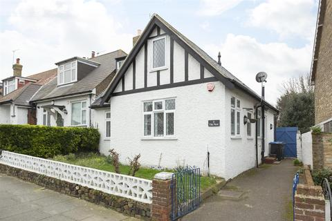 3 bedroom terraced house for sale - Linden Avenue, Broadstairs