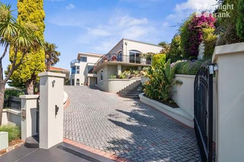 5 bedroom house - 29 Amanda Crescent, SANDY BAY, TAS 7005