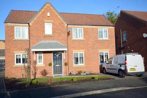 4 bedroom detached house for sale - Stormont Grove, Inkersall, Chesterfield, S43 3JG