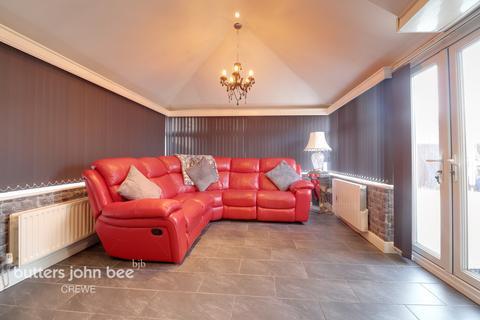 3 bedroom detached house for sale - James Atkinson Way, Crewe