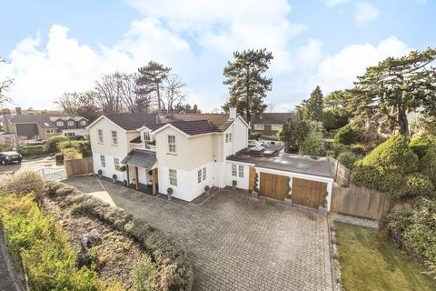 5 bedroom detached house for sale - Hawthorne Close Bromley BR1
