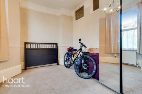 1 bedroom flat for sale - Bensham Manor Road, Thornton Heath