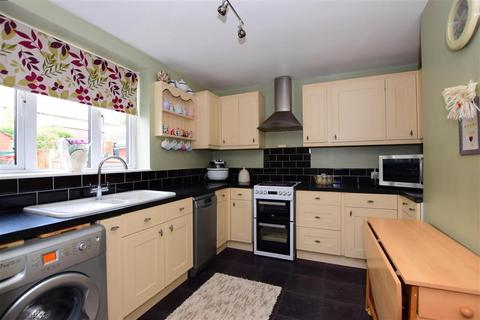 3 bedroom terraced house for sale - Penrith Road, Harold Hill, Essex