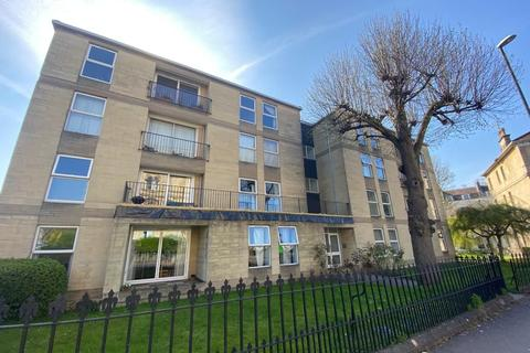 2 bedroom flat to rent - Clifton village
