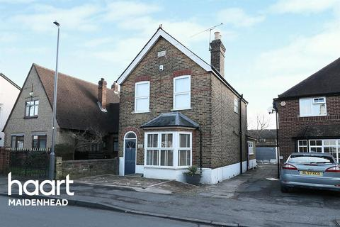 3 bedroom detached house for sale - Burnham, Slough
