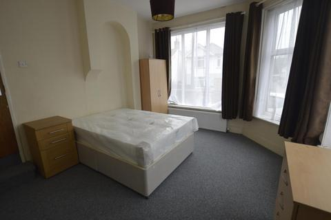 1 bedroom house share to rent - Albert Road Parkstone, BH12 2BX