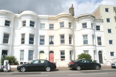 Studio to rent - Littlehampton, West Sussex