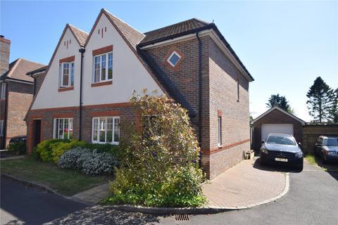 3 bedroom semi-detached house for sale - Miller Drive, Four Marks, Alton, Hampshire
