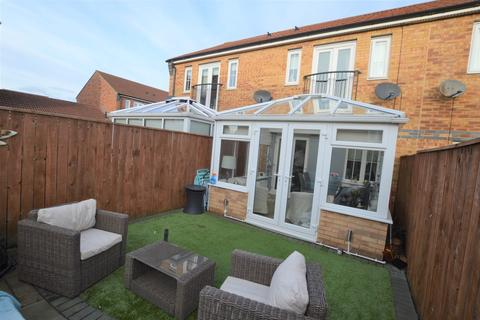 2 bedroom terraced house for sale - Gibsons Court, High View