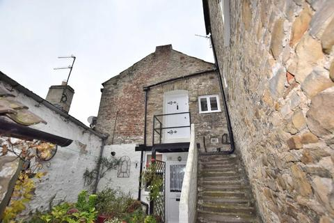 Studio to rent - Castle Wynd, Richmond