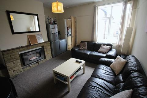5 bedroom apartment to rent - Simonside Terrace, Heaton