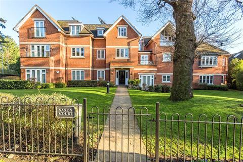 3 bedroom flat for sale - Saxon Court, 36 Brookdene Drive, Northwood, Middlesex, HA6