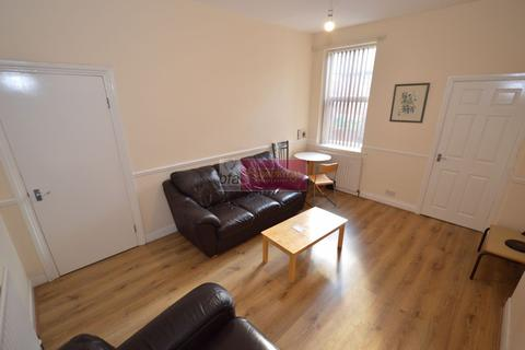 3 bedroom flat to rent - Stanton Street, Fenham, Newcastle upon Tyne