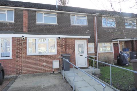3 bedroom terraced house for sale - Yew Tree Walk, Hounslow